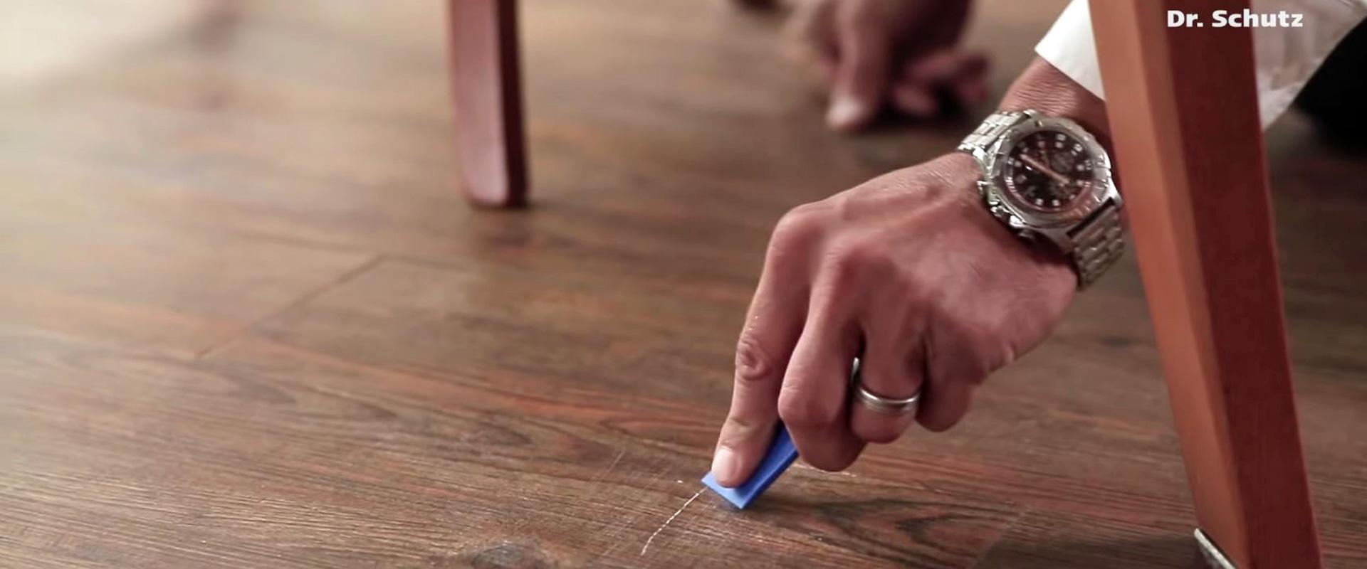 Krassen uit PVC verwijderen| Vloerenland