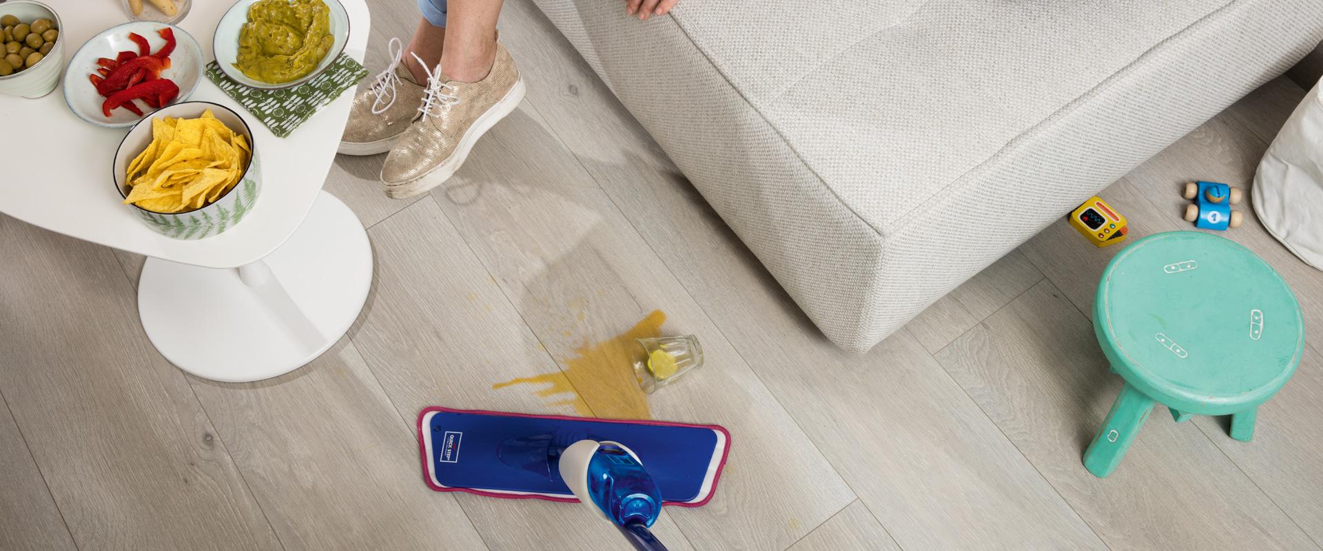 Eenvoudig Quick-step laminaat schoonmakenn   Vloerenland